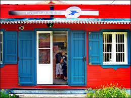 bureau de poste 1er file bureau de poste hell bourg réunion panoramio jpg