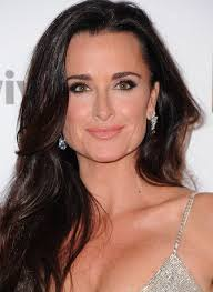 does kyle richards wear hair extensions kyle richards beauty secrets blushing in hollywood