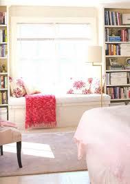 coin lecture chambre design interieur coin lecture banc fenêtre matelas futon coussins