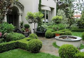 Front Yard Landscape Design by Ravishing Tuscan Style Front Yard Landscape Garden With Trimmed