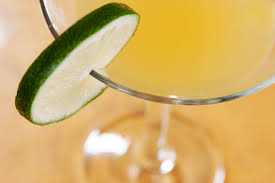 10 cheap cocktails to make at home and save money