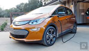 chevy bolt outlasts tesla u0027s model s in consumer reports range test