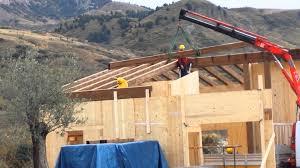 montaggio tettoia in legno montaggio x lam prefabbricate tetti e tettoie in legno