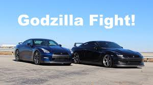 nissan gtr year to year changes godzilla fight 2009 vs 2015 gtr comparison youtube