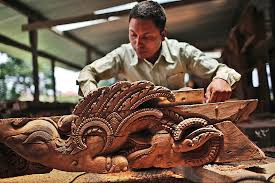 nepal woodcarvers inspired to restore quake toppled temples the