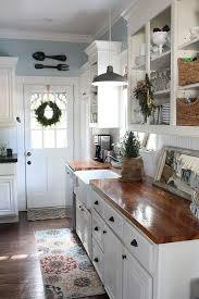White Christmas Kitchen Decor by Best 25 Cottage Kitchen Decor Ideas On Pinterest Cottage