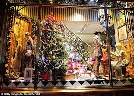 Christmas Window Decorations New York by From Acrobats To Thirties Showgirls The Lavish Store Window