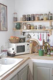 astuce deco cuisine deco etagere cuisine excellent tagre duangle dans une salle de