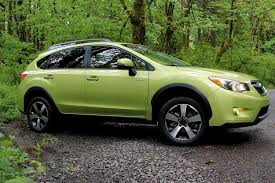 2017 subaru crosstrek green 2014 subaru xv crosstek hybrid review digital trends