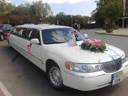 6 Great Tips For Booking Wedding Transportation by 6 Tips To Renting The Right Limousine Money Talks News