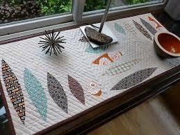 modern table linen sardinia table runner quilting modern quilts circles