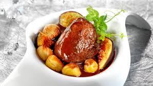 cuisiner le kangourou recette pavé de kangourou rôti jus de vin aux marrons et