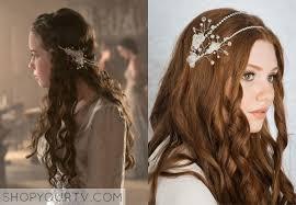 reign tv show hair styles lola anna popplewell wears this crystal headband with tiny