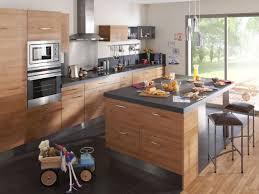 cuisine ouverte avec ilot table un îlot central pour une cuisine ouverte conviviale cuisine