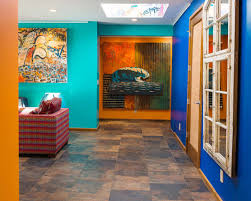 decoration maison de luxe une maison de surfeurs à la décoration intérieure jeune et