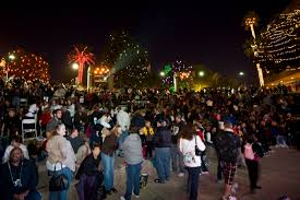 Zoo Lights Az by 2016 Glendale Glitters Christmas Festival