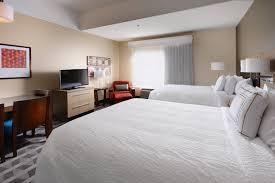 Upstair Bedroom Design One And Two Bedroom Suites In Houston Texas Houston Ada