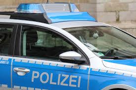 Polizeibericht Baden Baden Fahrer Drängt 27 Jährige In Böschung Und Begeht Fahrerflucht