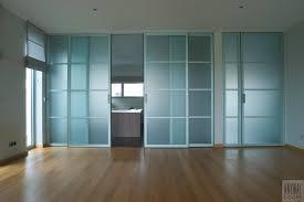 porte coulissante sur mesure porte coulissante suspendue en verre le bois chez vous