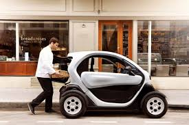 renault twizy f1 renault twizy f1 concept la piccola auto elettrica da città con