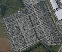parcheggio auto porto civitavecchia automobili invendute nei depositi foto allaguida