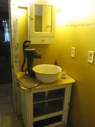 Outhouse Bathroom Ideas by 298 Best Primitive Bathrooms Images On Pinterest Primitive