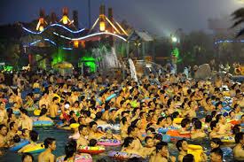 crowd swarm swimming pool in e china all china women u0027s federation