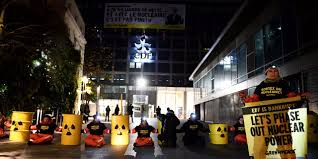 siege edf de greenpeace devant le siège d edf