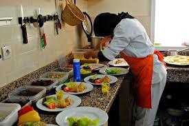 la cuisine des femmes a marrakech sauve les femmes avec des cours de cuisine
