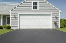 houses with big garages soil cement paving for driveways