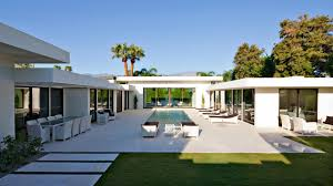 Simple Backyard Landscaping Ideas by Stunning Modern Backyard Idea Of Contemporary Home With Small Pool