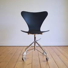 buy vintage desk and office chairs at pamono