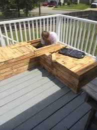 Wood Pallet Patio Furniture by Diy Pallet Sectional For Outdoor Furniture Like The Yogurt