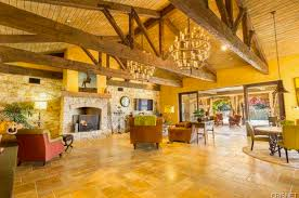 Million Tuscan Mansion In Calabasas CA Homes Of The Rich - Tuscan family room