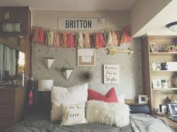 Wall Decorations For Bedrooms Best 25 Dorm Wall Decorations Ideas On Pinterest Rooms