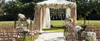 outdoor wedding decorations to consider when planning on outdoor wedding decorations