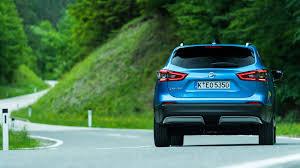 nissan qashqai rear light nissan qashqai 2017 facelift review by car magazine
