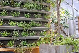 vertical gardens 26 creative ways to plant a vertical garden how to make a vertical