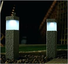 solar powered pillar lights outdoor pillar lights best solar powered landscape lights outdoor