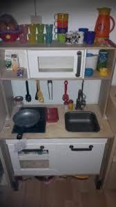 ikea spielküche zubehör spielküche aus holz duktig ikea mit viel zubehör in