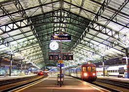 bureau de change lausanne lausanne station lausanne rail station switzerland