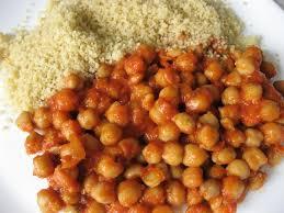 comment cuisiner des pois chiches recette de pois chiches en sauce tomate la recette facile