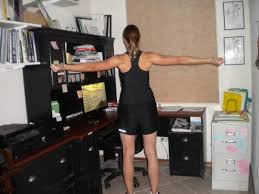 Office Workouts At Desk 5 Sneaky Ways To Exercise During A Day At Work Breaking