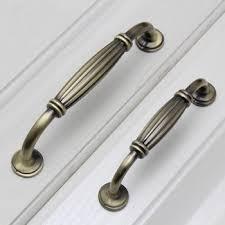 vintage kitchen cabinet knobs best 25 kitchen cabinet knobs ideas on vintage pulls