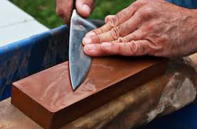 sharpening kitchen knives with a professional mail in knife sharpening service in chicago
