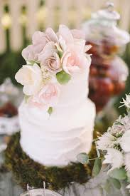 20 pretty wedding cakes with flowers
