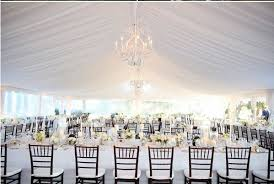 tenture plafond mariage que mettre en decoration des plafonds pour un mariage