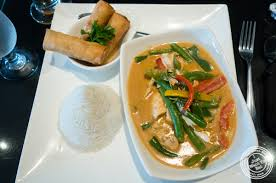 cheap lunch at room service a thai restaurant in hell s kitchen