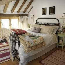 Country Bedroom Decorating Ideas - Country style bedroom ideas