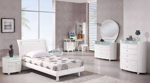 Gloss White Bedroom Furniture High Gloss White Lacquer Bedroom Furniture Home Delightful